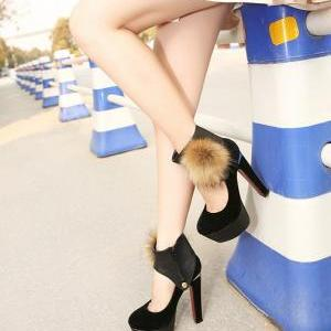 Sexy Black Faux Fur Design Platform..