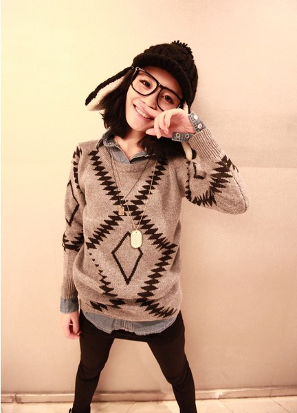 In diamond geometric patterns show thin big round collar hedge long-sleeved sweater
